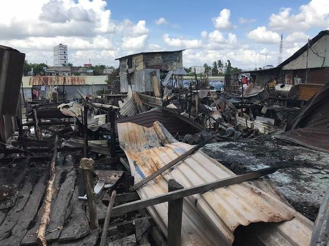 Hỗ trợ 17 triệu đồng cho 7 căn nhà bị cháy cạnh chợ nổi Cái Răng ảnh 1