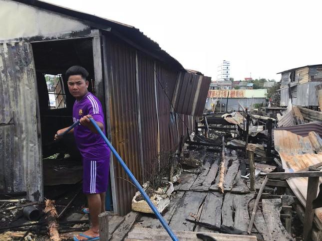 Hỗ trợ 17 triệu đồng cho 7 căn nhà bị cháy cạnh chợ nổi Cái Răng ảnh 3