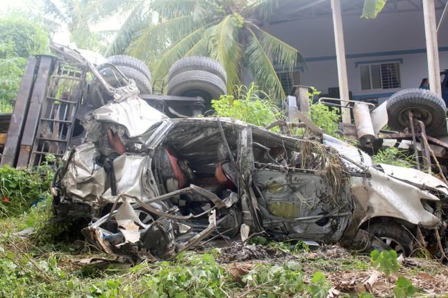 Vụ 2 xe ô tô rơi ở cầu Hàm Luông: Thêm 2 người tử vong ảnh 2