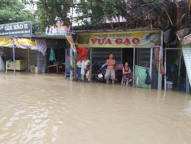 Mưa lớn kéo dài, Phú Quốc như trong cơn 'đại hồng thủy' ảnh 4