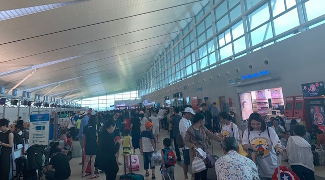Mưa lớn kéo dài, Phú Quốc như trong cơn 'đại hồng thủy' ảnh 1