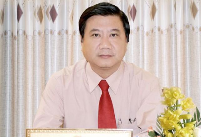 Chủ tịch quận bị điều chuyển công tác vì sai phạm đất đai ảnh 1