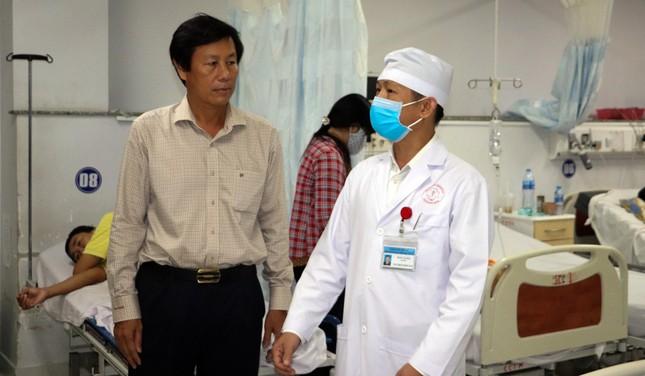 Nhiều tỉnh thành họp khẩn chống bệnh viêm phổi do virus Corona ảnh 2