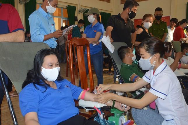 Lan tỏa phong trào hiến máu tình nguyện trên vùng đất cù lao ảnh 5