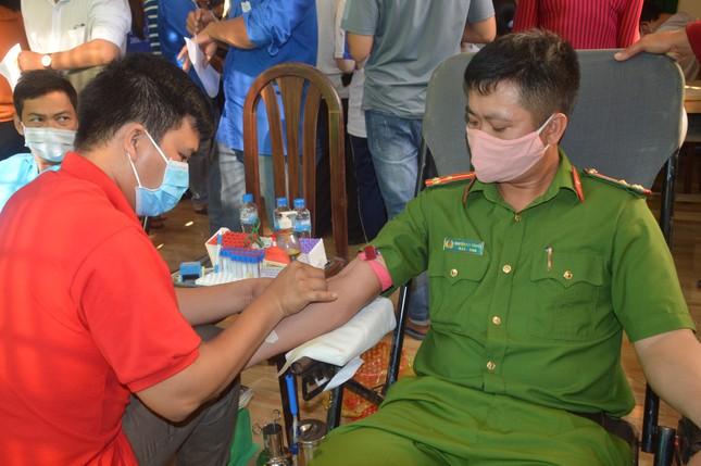 Lan tỏa phong trào hiến máu tình nguyện trên vùng đất cù lao ảnh 3