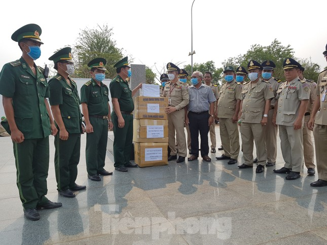 Kiên Giang: Siết chặt biên giới ngăn ngừa dịch COVID -19 ảnh 6