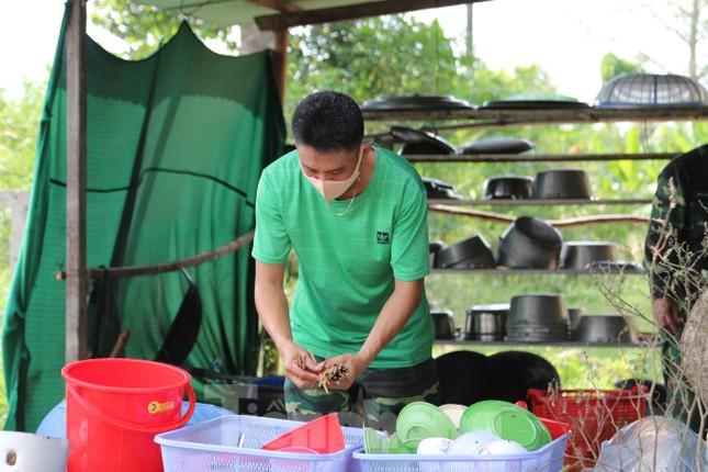 Bên trong bếp ăn quân đội phục vụ người cách ly ở Đồng Tháp có gì đặc biệt? ảnh 4
