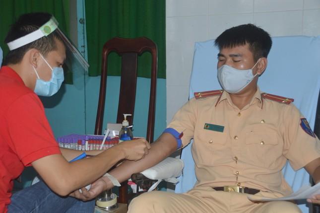 Công an Sóc Trăng phát động hiến máu tình nguyện ảnh 4