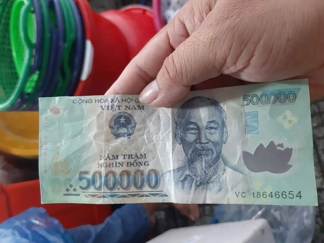 Kiên Giang: Điều tra đối tượng dùng tiền giả đi chợ mua hàng ảnh 2