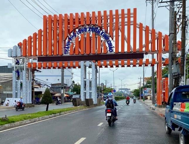 Tranh cãi xung quanh TP Long Xuyên xây cổng chào gần 7 tỷ đồng ảnh 1
