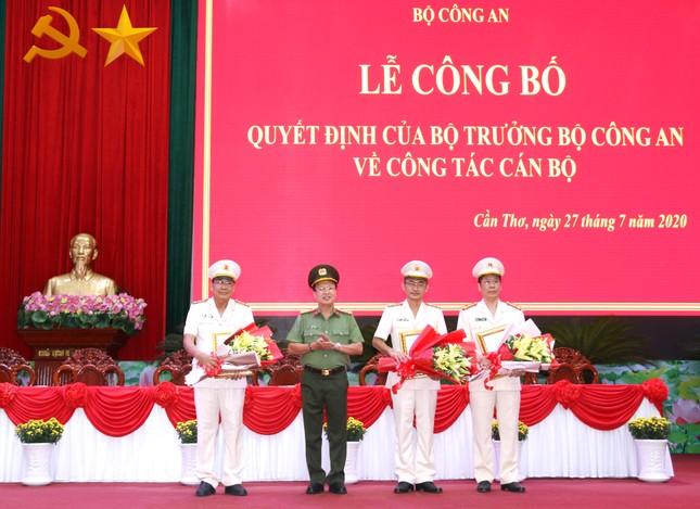 Thành phố Cần Thơ có 3 tân Phó Giám đốc Công an ảnh 1