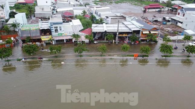 Đường phố Cần Thơ biến thành 'sông' ngày đầu tuần ảnh 5