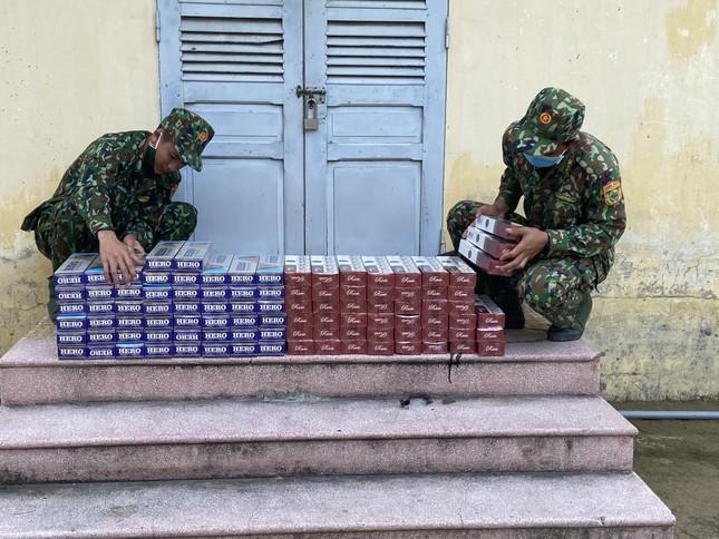 An Giang: Bắt hơn 1.000 vụ thuốc lá lậu, xử phạt gần 9 tỷ đồng ảnh 1