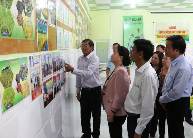 Chủ tịch Quốc hội Nguyễn Thị Kim Ngân thăm và làm việc tại Sóc Trăng ảnh 3