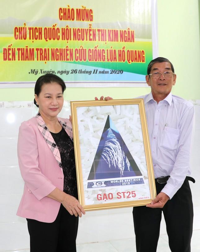 Chủ tịch Quốc hội Nguyễn Thị Kim Ngân thăm và làm việc tại Sóc Trăng ảnh 2
