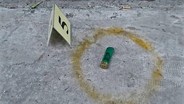 Điều tra vụ hỗn chiến kinh hoàng bằng súng, lựu đạn trong đêm ảnh 2