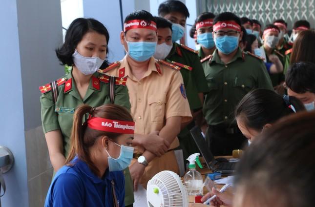 Thượng uý công an Đồng Tháp 9 lần tham gia hiến máu ảnh 6