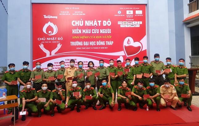 Thượng uý công an Đồng Tháp 9 lần tham gia hiến máu ảnh 3