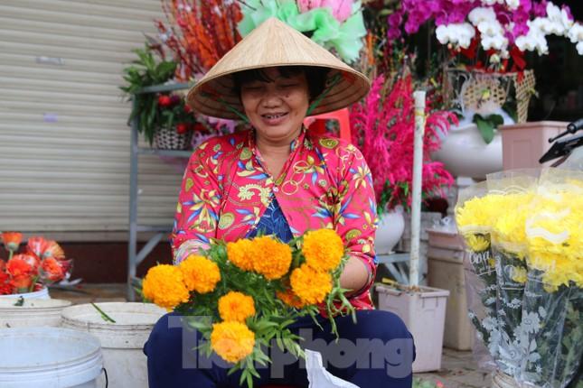 Chợ hoa Cần Thơ nhộn nhịp ngày 30 Tết ảnh 10