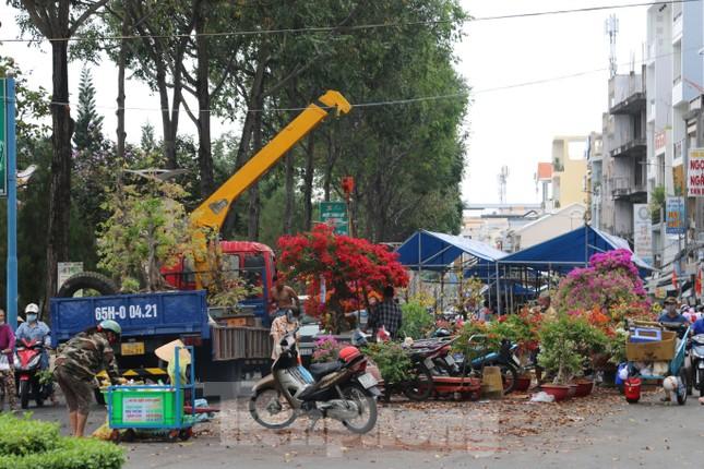 Chợ hoa Cần Thơ nhộn nhịp ngày 30 Tết ảnh 14