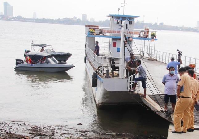 Điều tra vụ sạt lở làm nhiều người đi trên phà rơi xuống sông Hậu ảnh 1