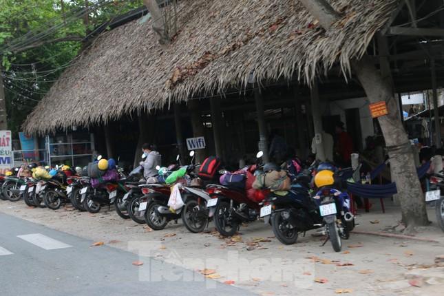 Người miền Tây hối hả trở lại TPHCM sau kỳ nghỉ Tết ảnh 14
