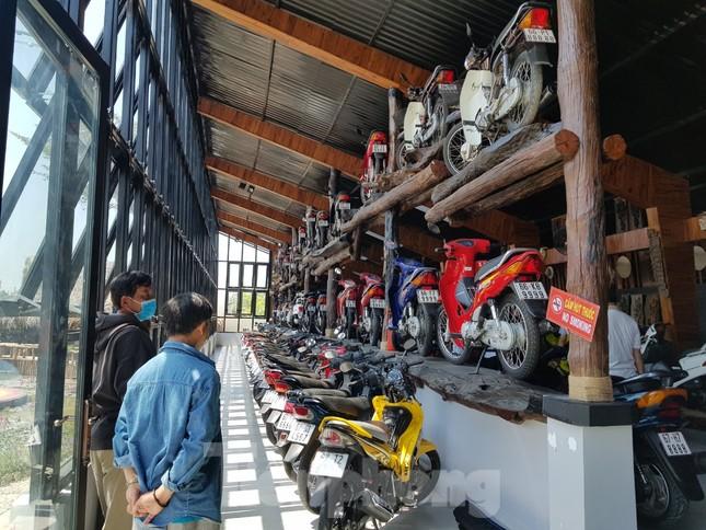 Mê mẩn bộ sưu tập 500 chiếc xe máy biển số 'khủng' ảnh 1