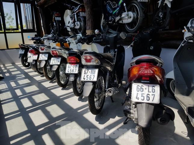 Mê mẩn bộ sưu tập 500 chiếc xe máy biển số 'khủng' ảnh 6