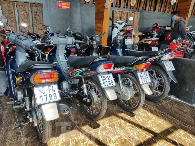 Mê mẩn bộ sưu tập 500 chiếc xe máy biển số 'khủng' ảnh 8