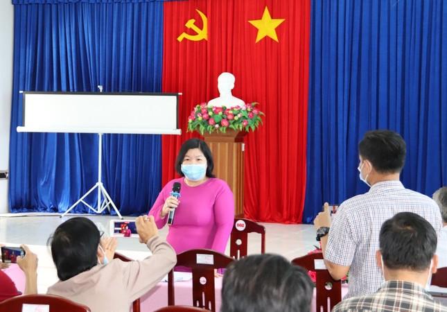 Bạc Liêu họp báo thông tin chính thức về trường hợp nghi dương tính với SARS-CoV-2 ảnh 2
