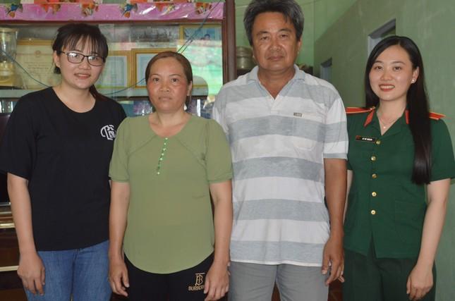 Ba bóng hồng cùng huyện ở Sóc Trăng tình nguyện nhập ngũ ảnh 4