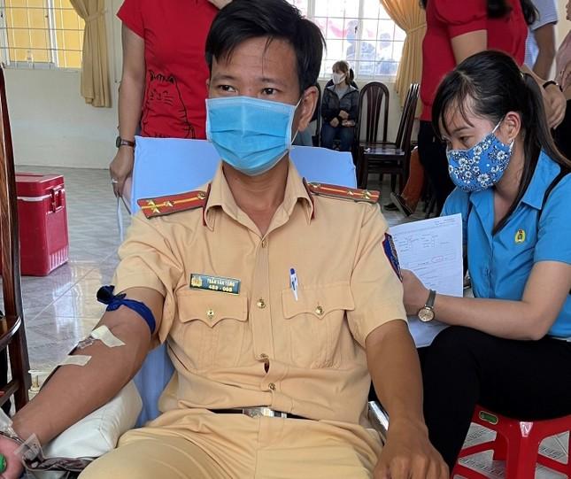 Ngày hội hiến máu tình nguyện ở huyện Cù Lao Dung ảnh 2