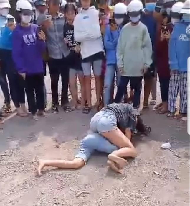 Công an vào cuộc vụ hai nữ sinh đánh nhau dã man ở Kiên Giang ảnh 1