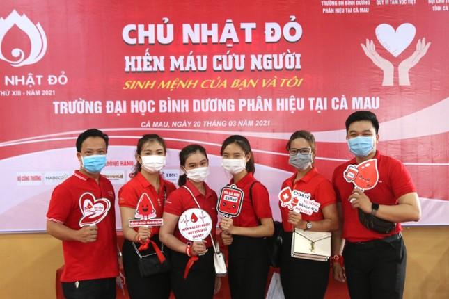 Chủ nhật Đỏ tại Cà Mau: Cựu sinh viên 27 lần hiến máu ảnh 5