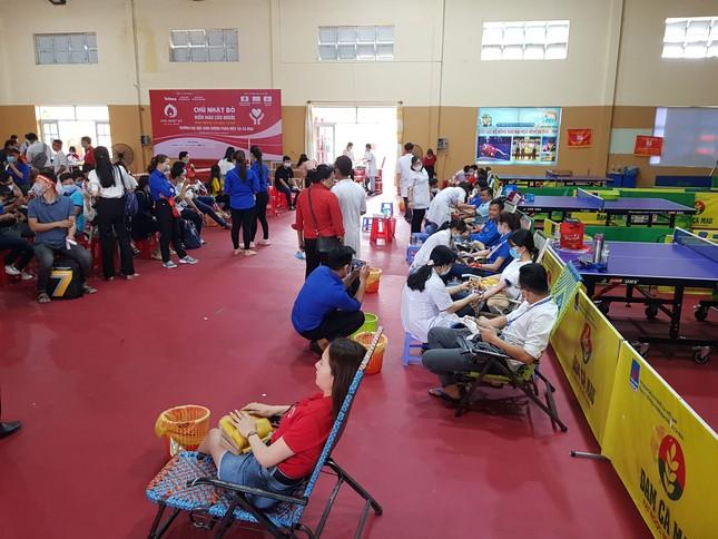Chủ nhật Đỏ tại Cà Mau: Cựu sinh viên 27 lần hiến máu ảnh 6