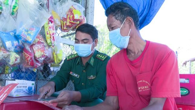 Thượng uý biên phòng giúp người dân phát triển kinh tế ảnh 2