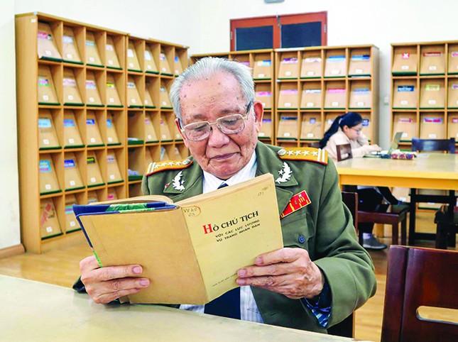 Đại tá Đoàn Sự: Tôi không thể quên chuyện Bác Hồ yêu cầu trả nhuận bút ảnh 2