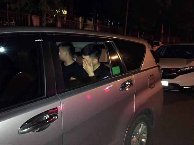Người Trung Quốc được 'tiếp tay' để vào Lào Cai ảnh 1