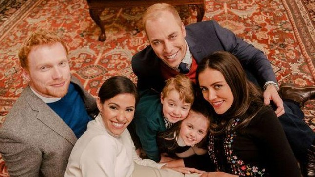 """Màn """"dứt áo ra đi"""" khỏi Hoàng gia Anh của vợ chồng Harry - Meghan được dựng thành phim ảnh 4"""