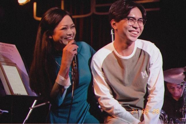 """Minh Dự khiến danh ca Như Quỳnh """"cười ngất"""" khi bất chấp khoe giọng với """"Lan và Điệp"""" ảnh 2"""