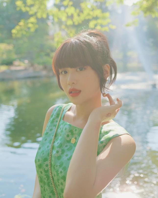 """Ngọc Trinh hay Han Sara, ai mới là """"nàng thơ"""" của rapper B Ray trong MV sắp ra mắt? ảnh 3"""
