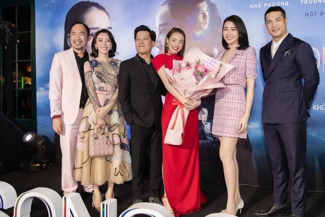 """Thu Trang hốt hoảng với vai phản diện của Tiến Luật trong phim """"Song Song"""" vừa ra mắt ảnh 5"""