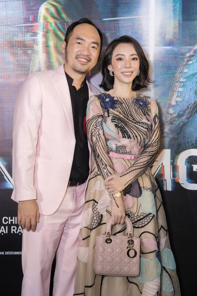 """Thu Trang hốt hoảng với vai phản diện của Tiến Luật trong phim """"Song Song"""" vừa ra mắt ảnh 3"""