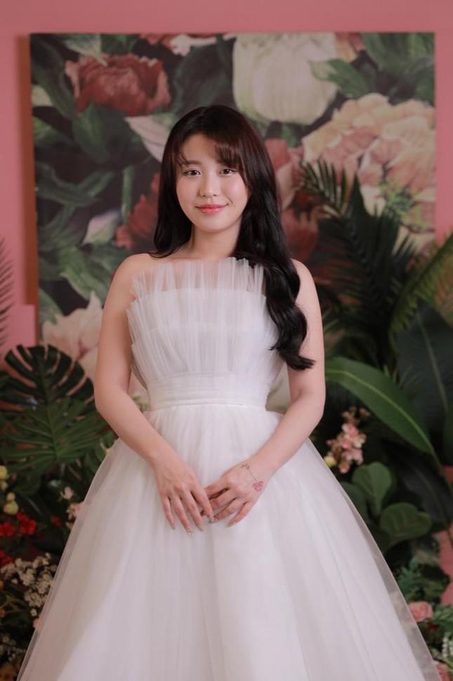 Han Sara chiếm spotlight MV mới của B Ray dù chỉ xuất hiện chớp nhoáng  ảnh 2
