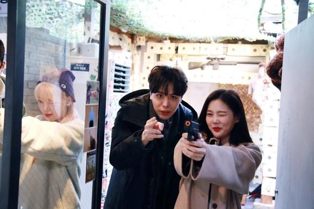 """""""Ăn Đi Rồi Kể"""" lên sóng, Trịnh Thăng Bình tương tác cực đáng yêu với thành viên Oh My Girl ảnh 5"""