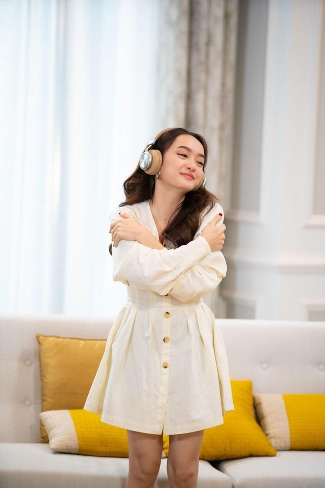 """""""Ăn Đi Rồi Kể"""": Trịnh Thăng Bình - Diệu Nhi chiến thắng OH MY GIRL với chiêu """"lật chảo"""" ảnh 2"""