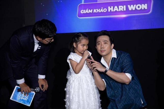 """Siêu Tài Năng Nhí: Hari Won mong đứa con tương lai sẽ thừa hưởng """"cái đầu"""" của Trấn Thành ảnh 4"""