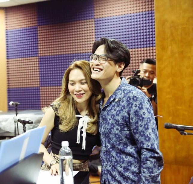 """Mỹ Tâm và Hà Anh Tuấn hội ngộ, tập luyện cho màn song ca ngọt ngào trong liveshow """"Tri Âm"""" ảnh 5"""