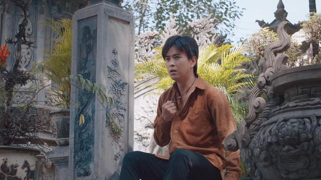 """Trở lại với """"Người khóc cùng anh"""", Hồ Quang Hiếu khuấy động Top Trending YouTube ảnh 1"""