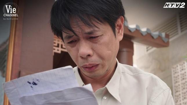 """""""Cây Táo Nở Hoa"""": Ngọc (Thái Hòa) khóc hết nước mắt vì sự thật về cái chết của bố ảnh 1"""
